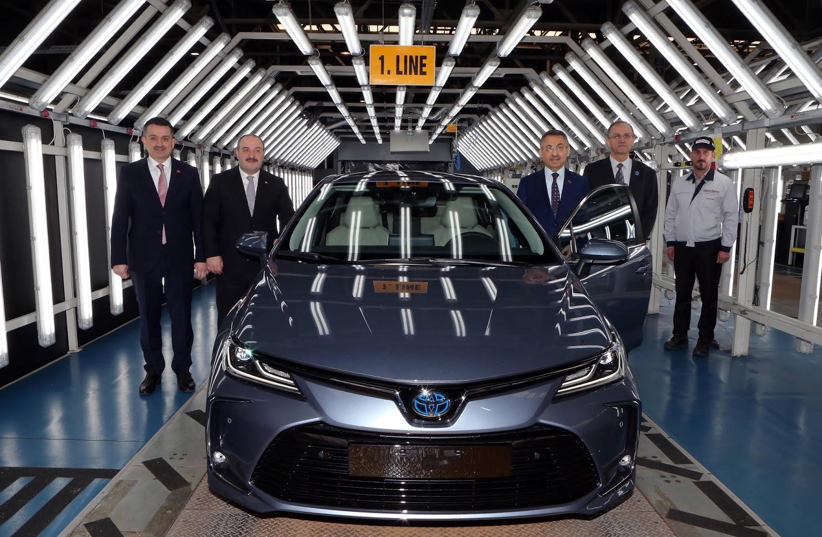 Yeni Toyota Corolla Sedan Sakarya Da Uretim Hattindan Indi