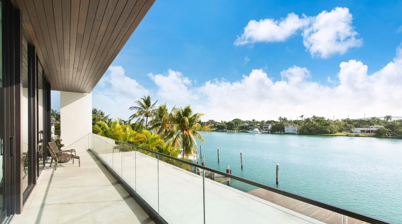 50 Photos vs. 160 S Hibiscus Dr, Miami Beach, FL Ultra Luxury Home Interior Design