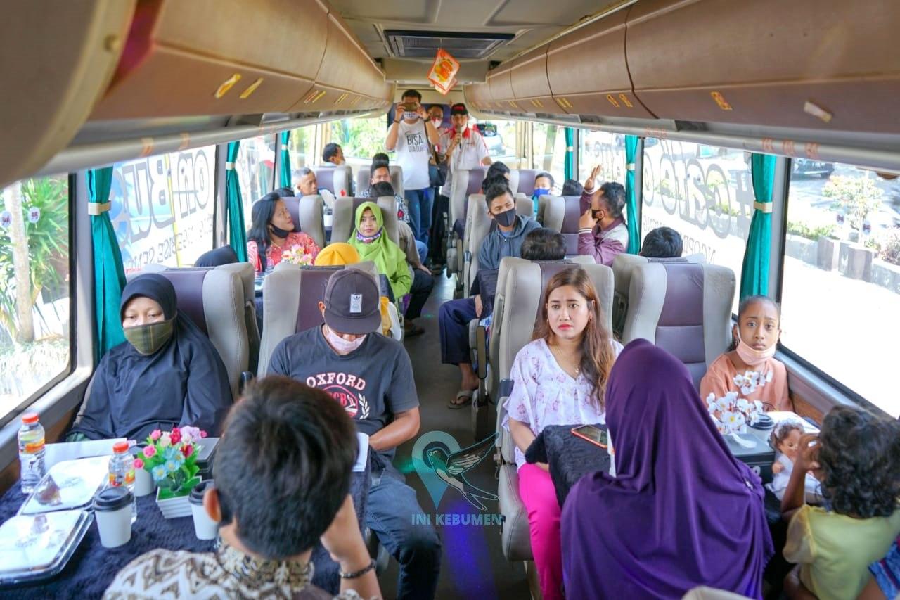 Ratusan Pelanggan Muncul Group Diajak Menikmati Sensasi Makan di Bus Eksekutif