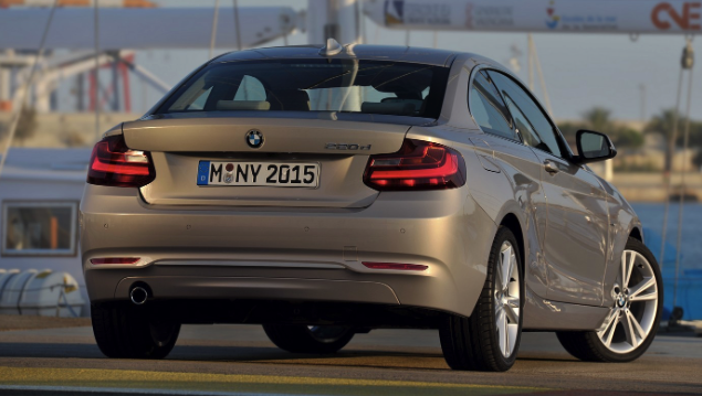 BMW 2 Series Range and BMW M2 to Receive Mild Facelift in 2017