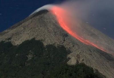Tempat wisata alam Gunung Gamalama Ternate maluku