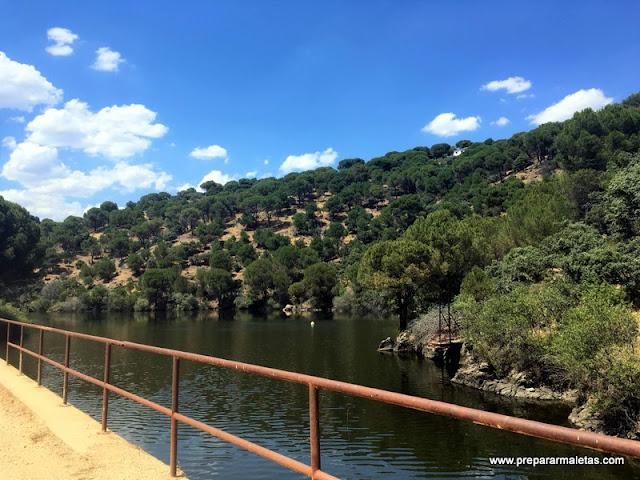 senderismo vía ferrocarril en Madrid Pantano Picadas
