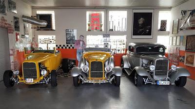 Hot Rods na garagem que também é uma oficina: seriam primos de segundo grau do MP Lafer?