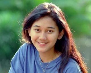 Kumpulan Lagu Mp3 Terbaik Nike Ardila Full Album Sandiwara Cinta (1995) Lengkap