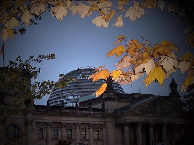 ドイツ連邦議会議事堂、ベルリン、11月