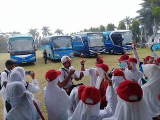 Perawat-honorer-asal-lampung-berangkat-12-bus-menuju-jakarta