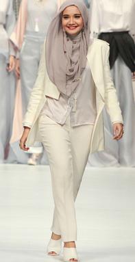 Model Baju Terbaru Zaskia Sungkar 2017
