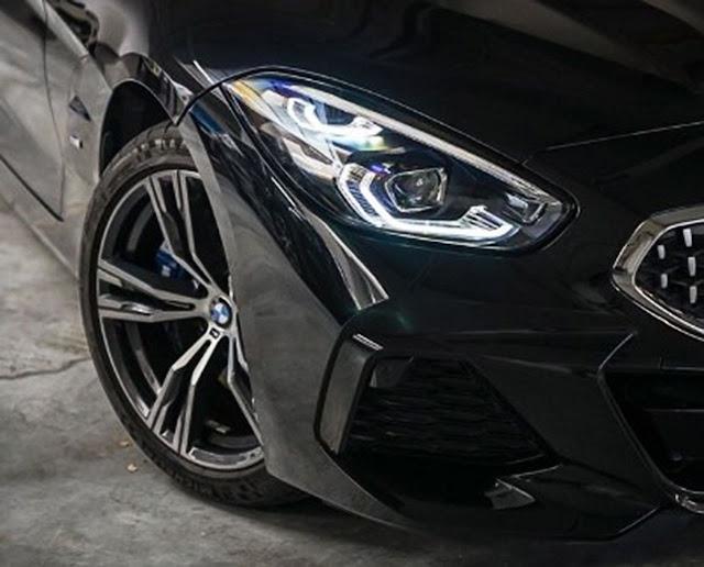 2020-BMW-Z4-sDrive30i-headlight
