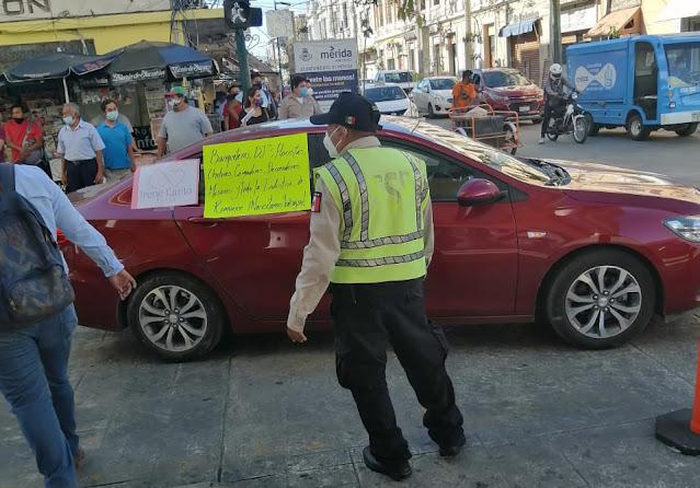 Caravana de prestadores de servicios exigiendo los dejen trabajar