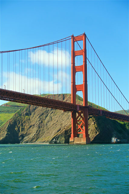 What to see, do and eat in San Francisco, CA - bay tours, Sausalito, Original Joe's, Harris' Steakhouse, Napa Valley Burger Company, Trish's Mini Donuts, Ghriadelli, Fisherman's Warf and Lombard Street. You can do it all in 2 days!