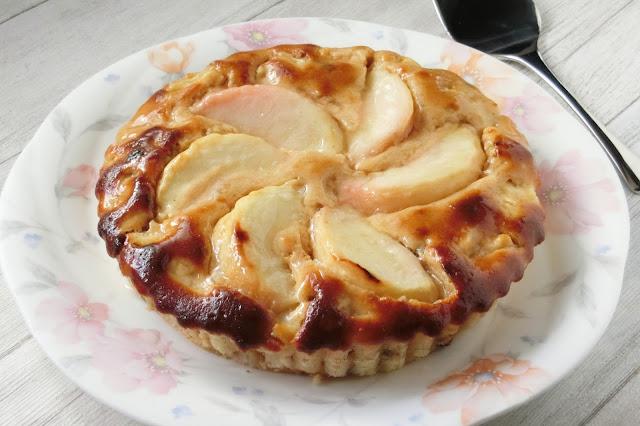 生桃まるごと使ったラム酒香るケーキレシピ【オーブントースターでお菓子】