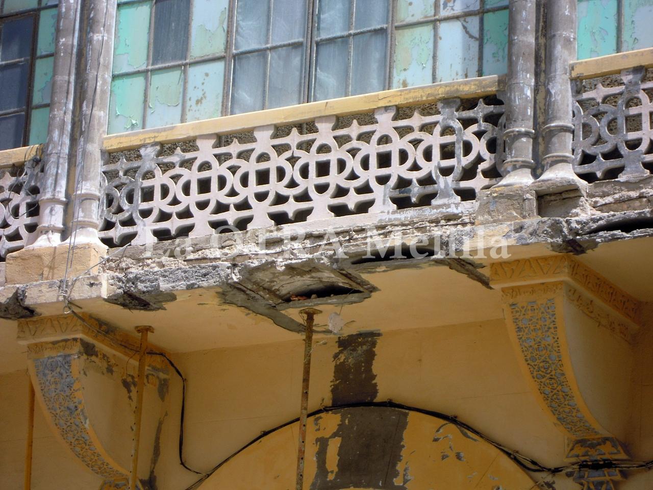 La otra melilla la ruinosa casa de los cristales - Cristales para casas ...