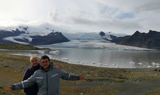 Laguna Glaciar Fjallsárlón y lengua glaciar Fjalljökull.