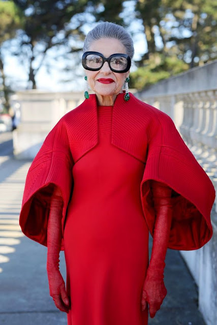 Joy Venturini Bianchi in Ralph Rucci : 26 Images of Inspiration: Imperial Red 07-01-2016 {Cool Chic Style Fashion}