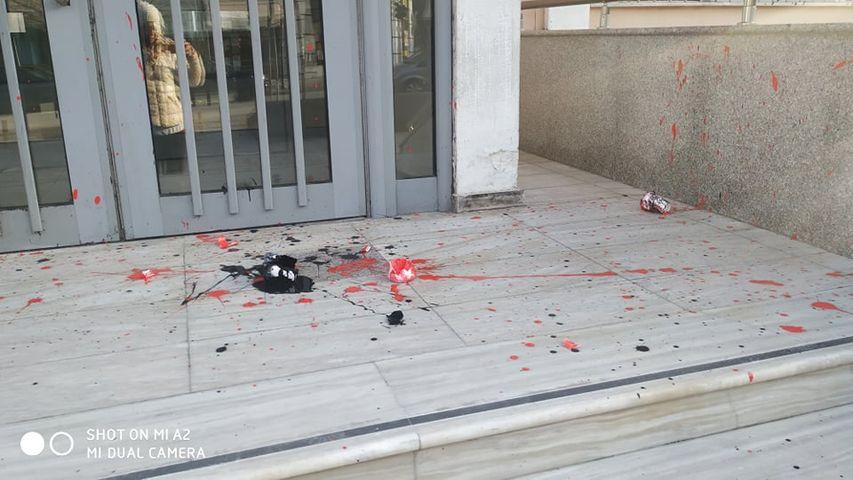 Κουκουλοφόροι βανδάλισαν Δικαστήρια, Δημαρχείο και Ρολόι στην Ξάνθη