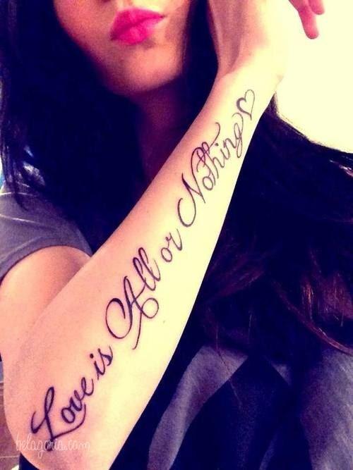 Un tatuaje en el antebrazo