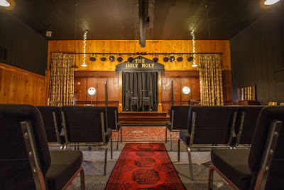 The Holy Moly Theatre Delta Blues Dulcimer Revival