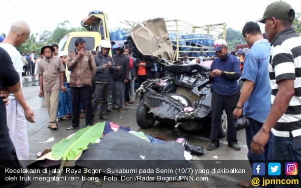 Rem Blong, Truck  Mundur Kencang, Jeritan Histeris Disertai Takbir 3 Tewas Terjepit