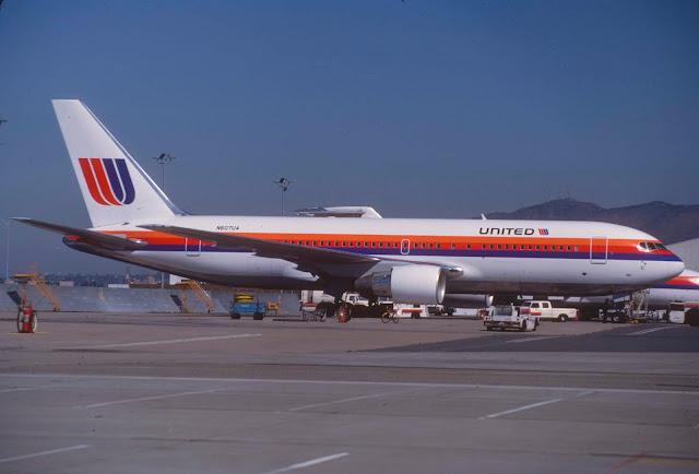United Airlines Boeing 767-222; N607UA, Eylül 1983