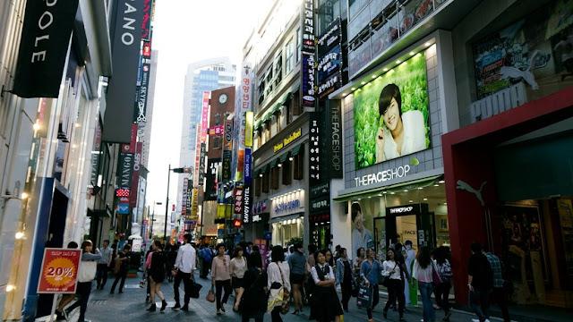 Jóvenes surcoreanas inician un movimiento contra los estrictos cánones de belleza de su país