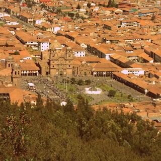 Plaza das Armas de Cusco, Vista de Sacsayhuaman