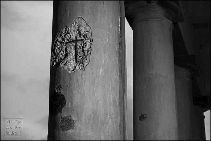fotografia,cruz,rotura,columna,arquitectura,sagunto,castillo,limites,serie,arte