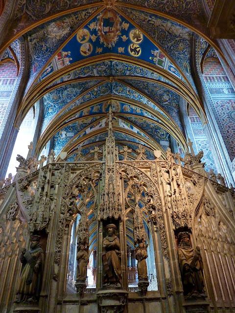 Decoracion en piedra interior de la Catedral de Albi
