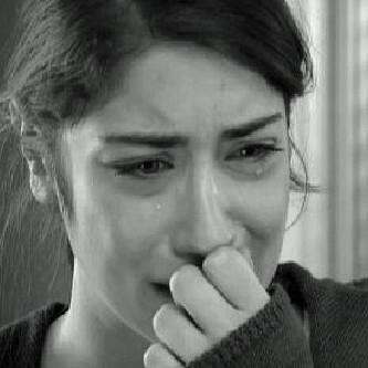 صور بكاء 2019 دموع في الأعين... صورة بنت جميلة تبكي مؤثرة