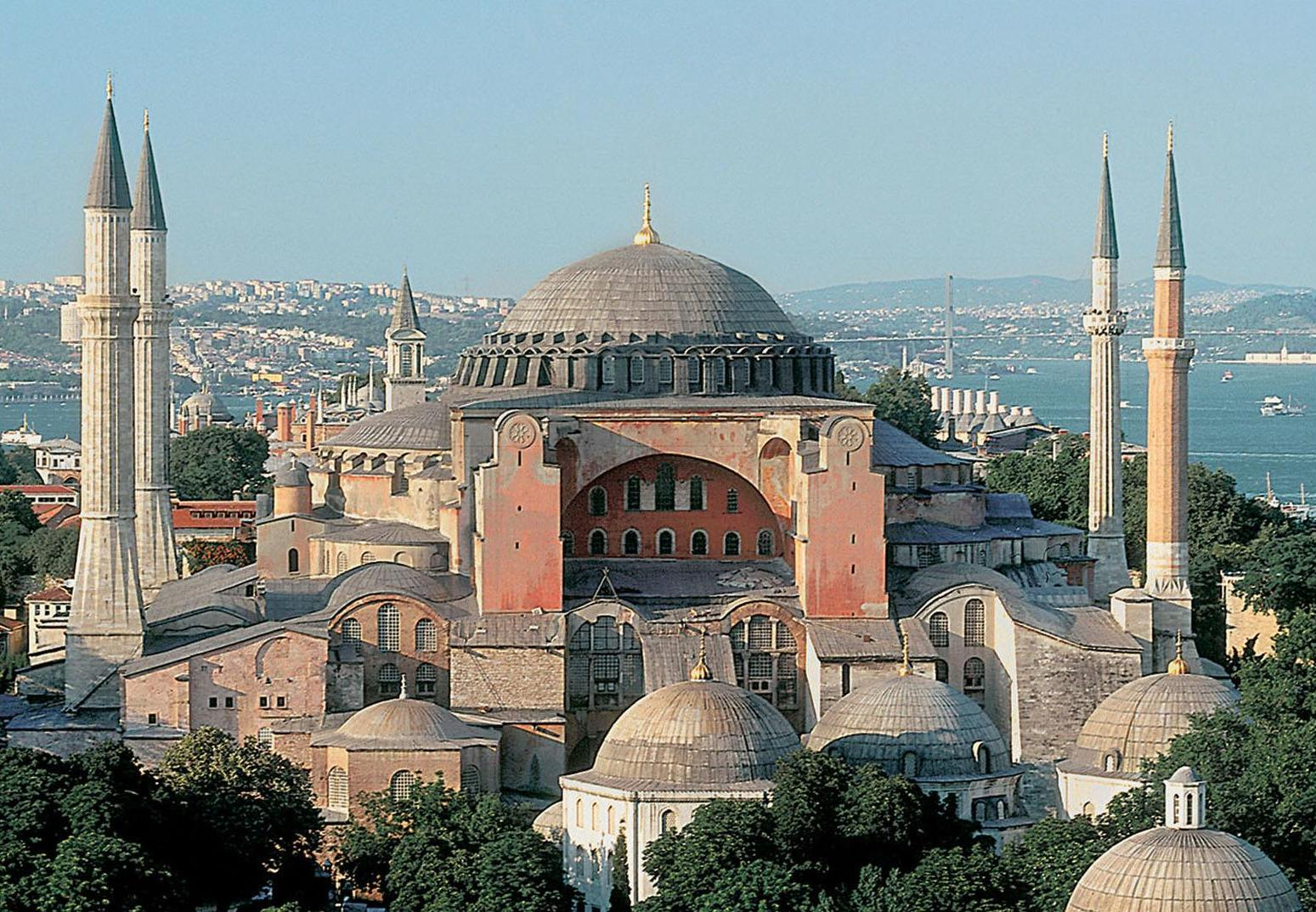 how tall is hagia sophia