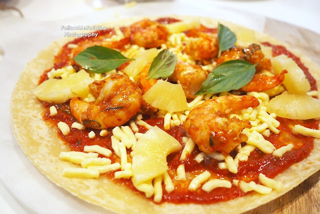 Tom Yam Prawn Pizza with Pineapple Ready For The Oven