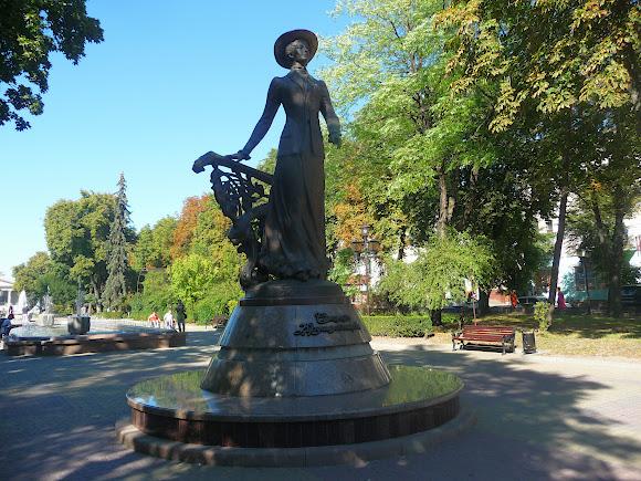 Тернополь. Памятник Саломее Крушельницкой