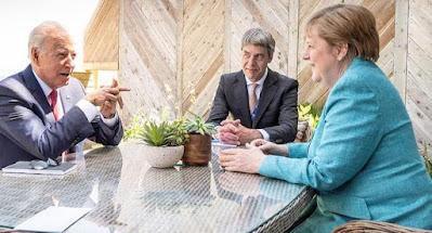 """Меркель готова сохранить транзит газа через Украину после запуска """"Северного потока-2"""""""