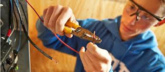 OPERARIO 23-35 AÑOS C/ CONOCIEMIENTO DE ELECTRICIDAD Y CONSTRUCCIÓN. Z/ OESTE.