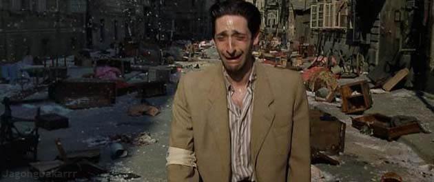 yang penuh dengan penderitaan orang Yahudi Sinopsis Film : The Pianist (2002)