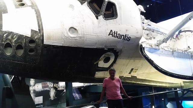Die Raumfähre Atlantis ist ein Space Shuttle der NASA.