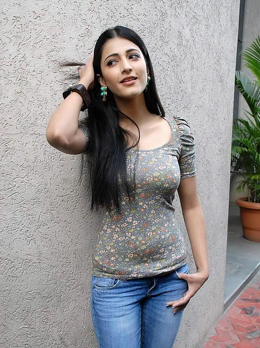 Sruti Hassan Hot Sexy Photos