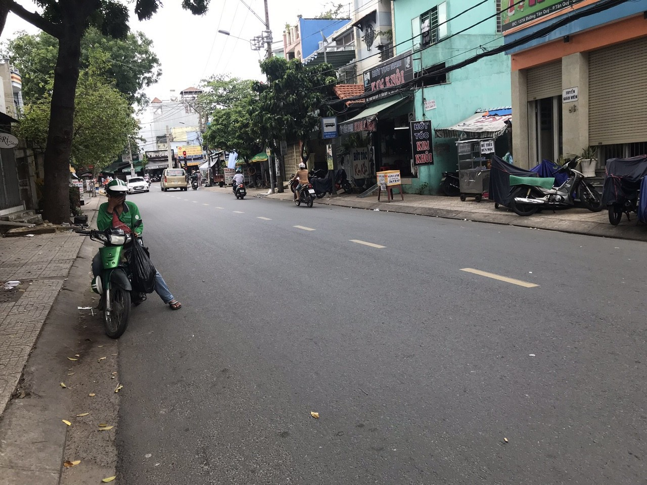 Bán nhà Mặt tiền đường Tân Quý quận Tân Phú. Dt 4x18m
