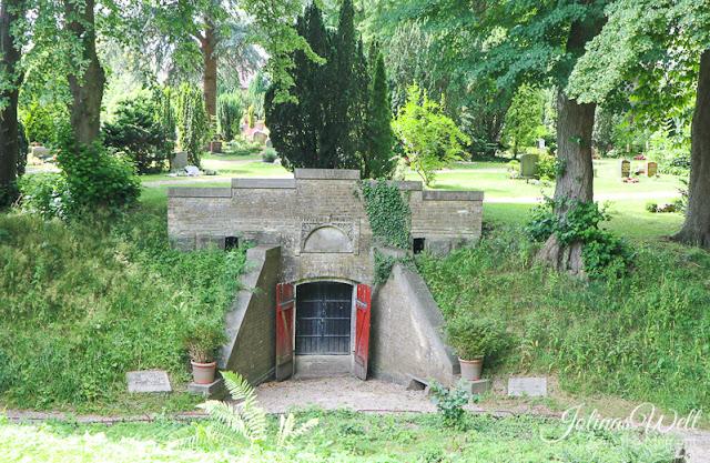Gruft auf dem Friedhof Kappeln - Schlei - Ostsee