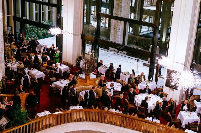 Metropolitní_opera_restaurace
