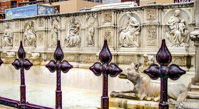 Fonte Gaia ou Fontana della Gioia, Siena, Itália