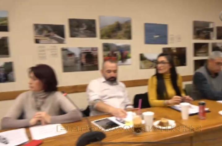 Άσχετος με την διαδικασία  του Δημοτικού Συμβουλίου (Βίντεο)