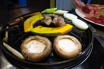 The Hitsuji Club, grill