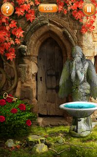 после полива куста водой появляется ключ лежащий на цветах