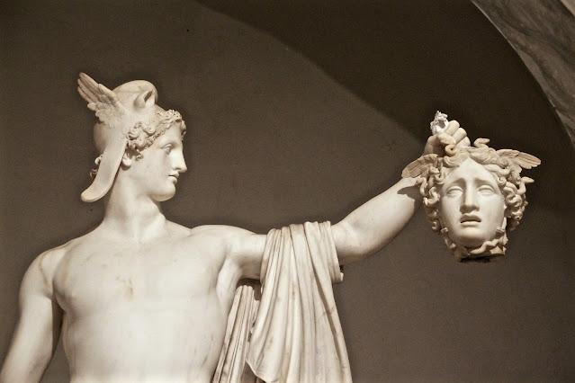 半神ペルセウスの性格って?メドゥーサを殺した理由とは?