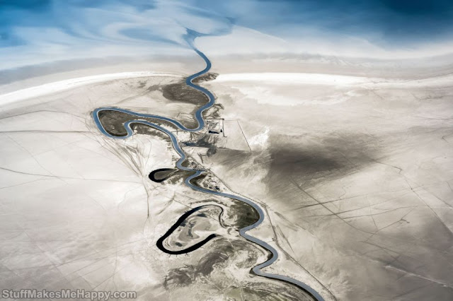 4. The Zohre River, which flows into the Persian Gulf in southern Iran. (Photo by Jon Bowles