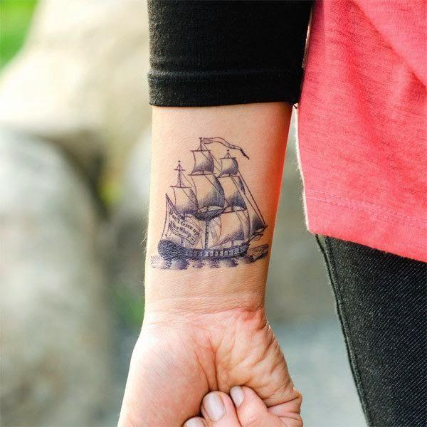 tatuajes pequenos barco