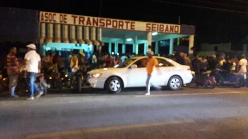 Un seguridad y un atracador mueren en asalto a parada autobús de El Seibo