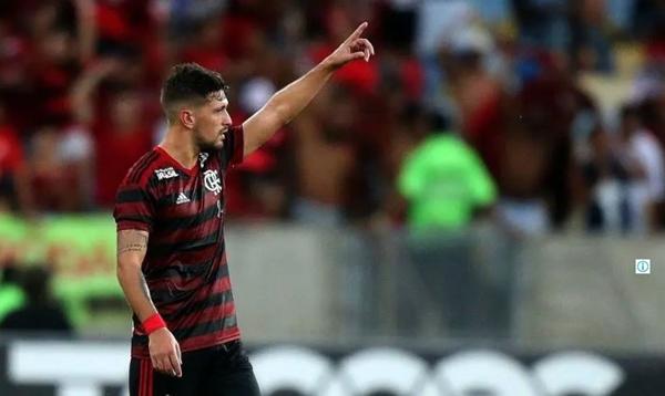 Arrascaeta faz no fim, Fla bate Vasco nos pênaltis e fatura a Taça Rio