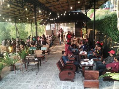 Cafe Hits gunung banyak