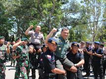 Ini Kekompakan Satgas Yonif Raider 712/Wt bersama POLRI di Tapal Batas Belu-Timor Leste